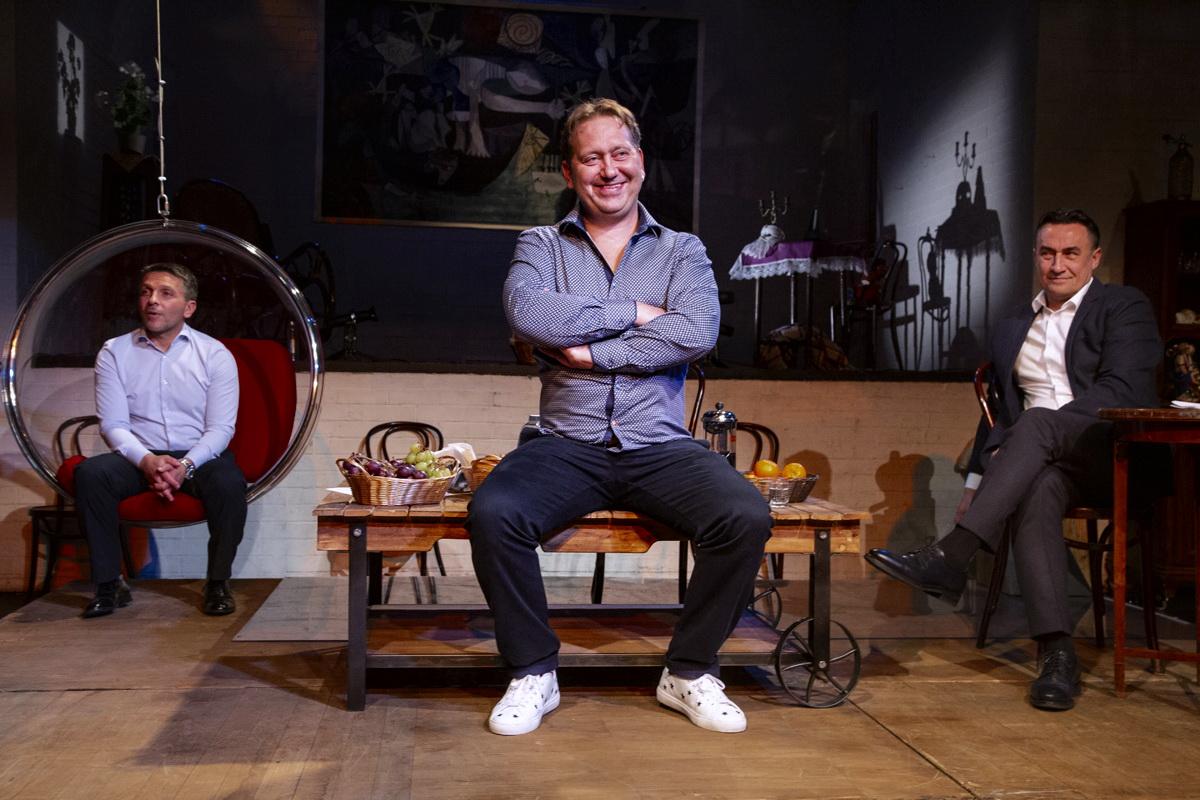Фото со спектакля «Квартетник» с сайта bigbilet.ru