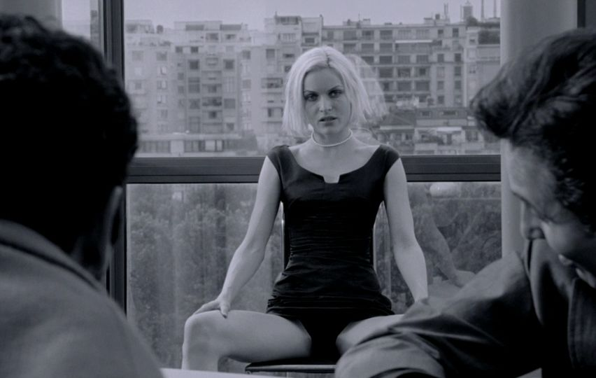 Кадр из фильма «Ангел-А»