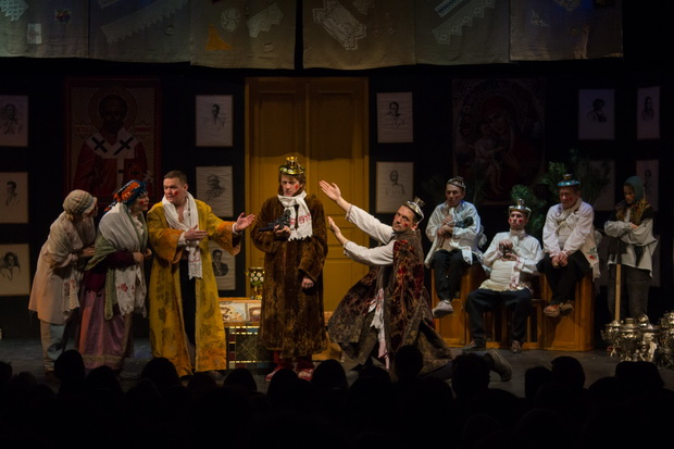 Фото со спектакля Женитьба предоставлено организаторами