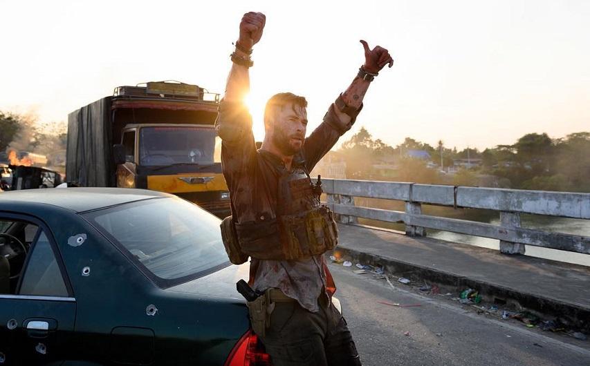 На съемках фильма «Дакка». Фото с сайта Film.ru