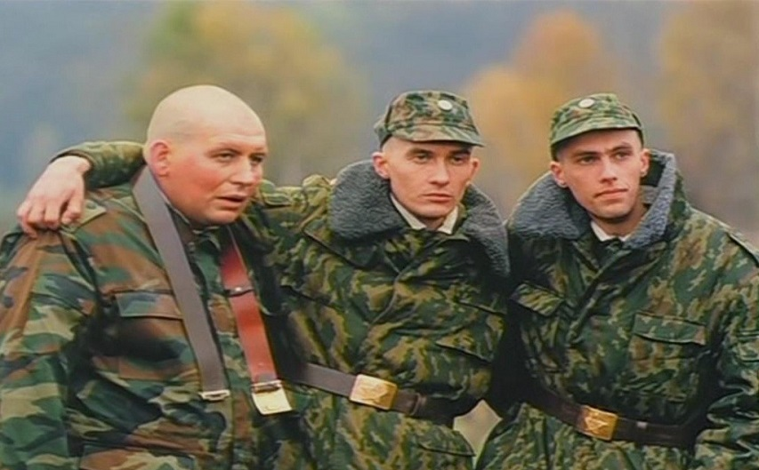 Кадр из фильма «ДМБ»