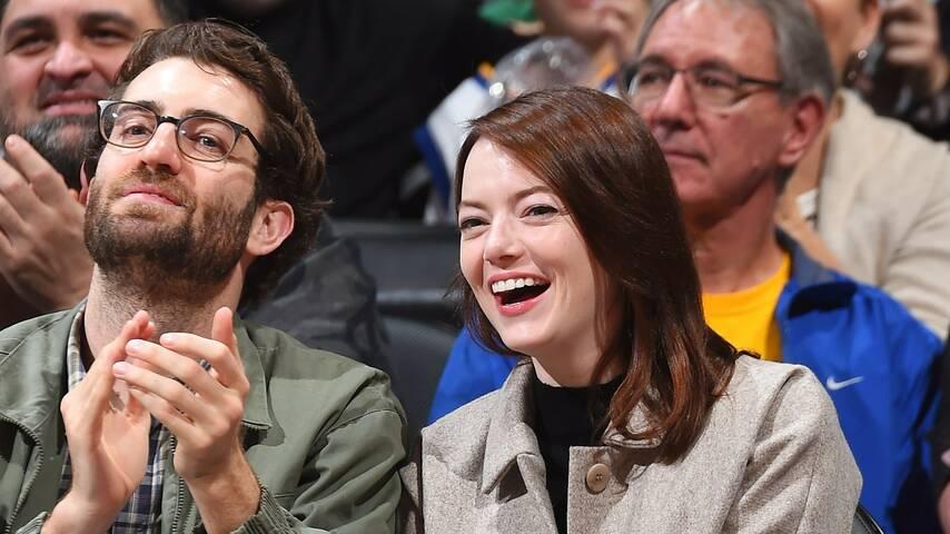 Стоун и женихом. Фото с сайта media.vogue.es