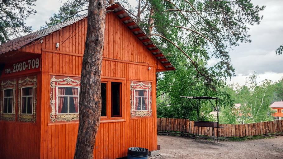 «Карасики» — это уютный парк для семейного отдыха с доступными ценами на аренду беседок