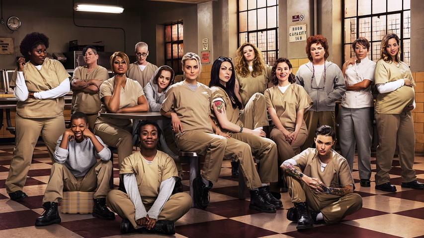Постер к сериалу «оранжевый хит сезона». Изображение с сайта Cinemaholics