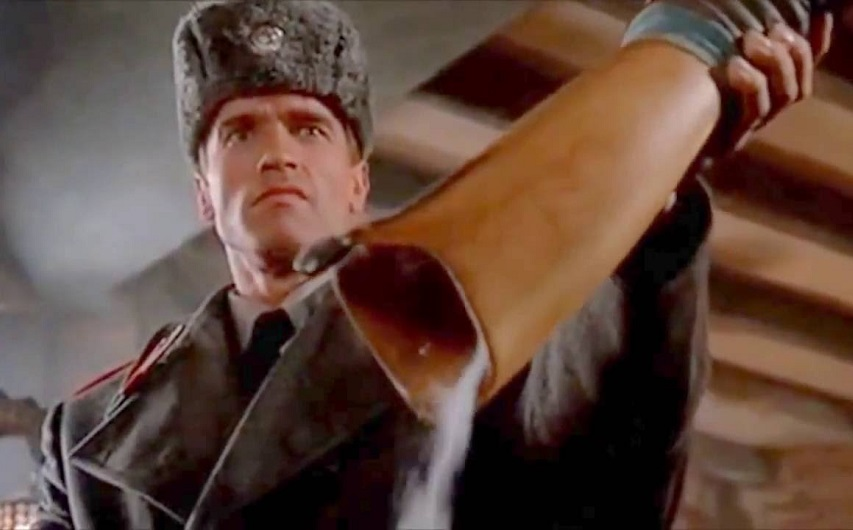 Кадр из фильма «Красная жара»