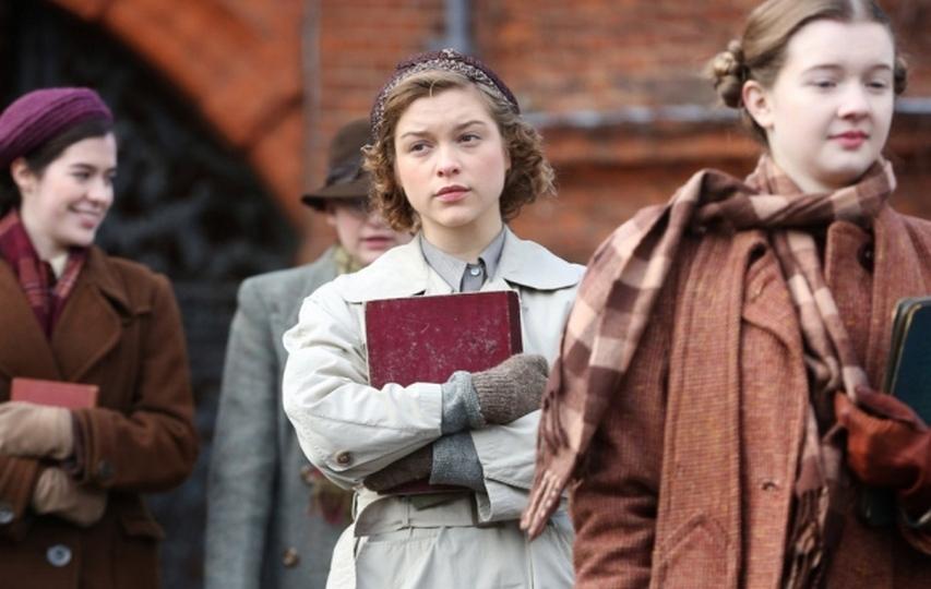 На съемках фильма «Красная Джоан». Фото с сайта cambridgeindependent.co.uk