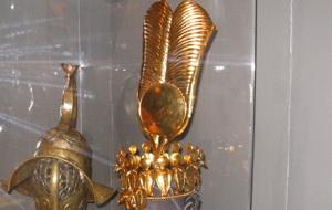 Золотая корона Клеопатры. Фото (С) Weburg.net