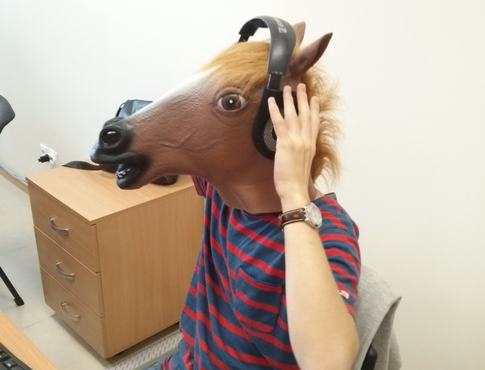 Прикольная картинка про лошадь на работе