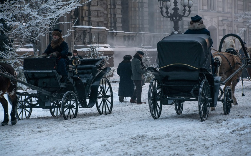 На съемках фильма «Серебряные коньки». Фото с сайта kinopoisk.ru
