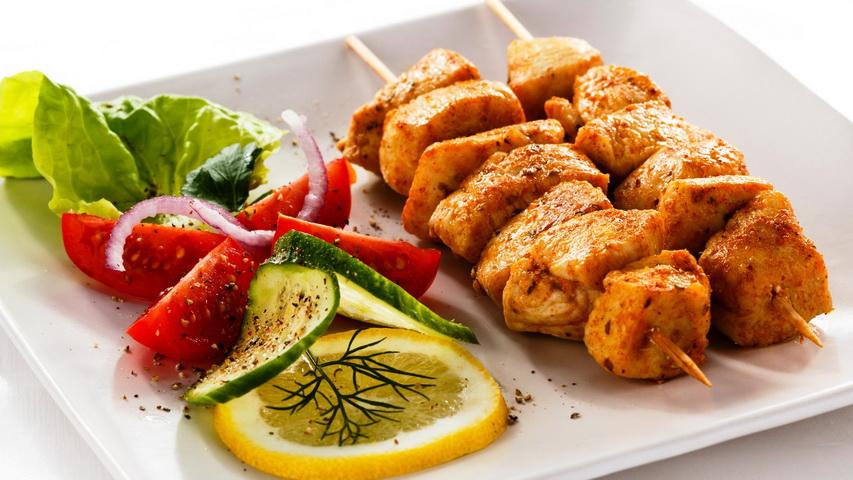 Шашлык из курица. Фото с сайта cafebar24.ru