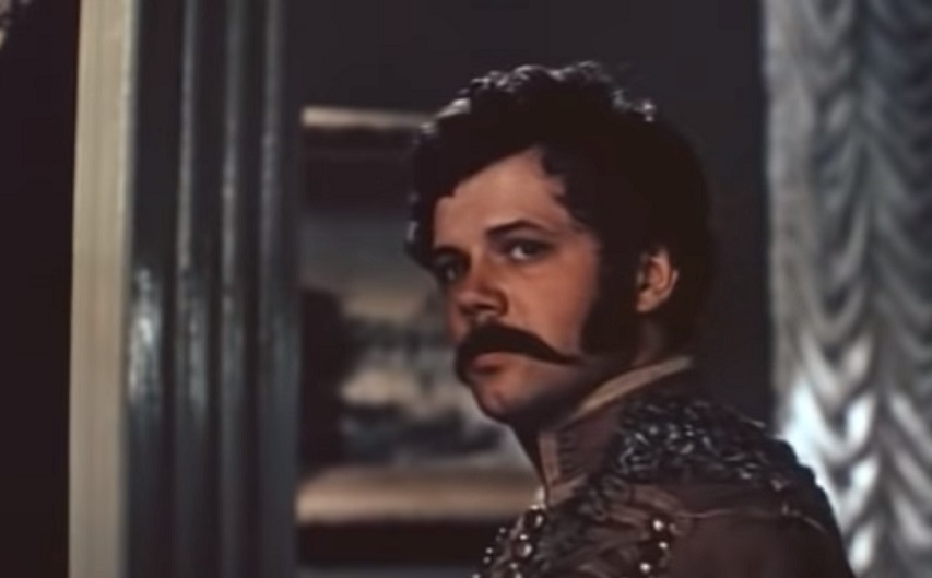 Кадр из фильма «Эскадрон гусар летучих»