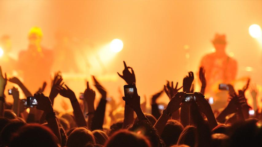 Концерт L'One, фестиваль «Абстрасенция» и юбилей Александра Пантыкина. Фото с сайта ecclezzia.com