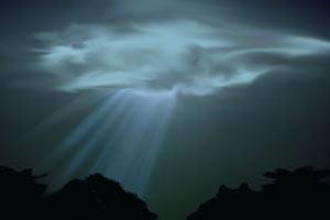 Лучи из облака. Изображение ©Weburg