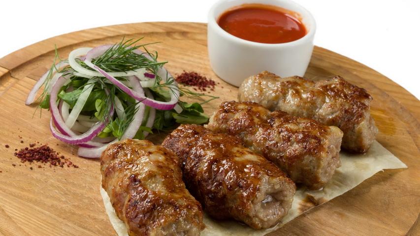 Люля-кебаб. Фото с сайта nashashlyk.com