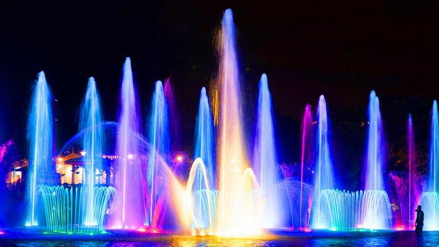 Поющие фонтаны. Фото с сайта youtube.com