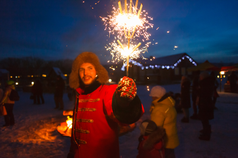 Фото с праздничными огнями предоставлено организаторами