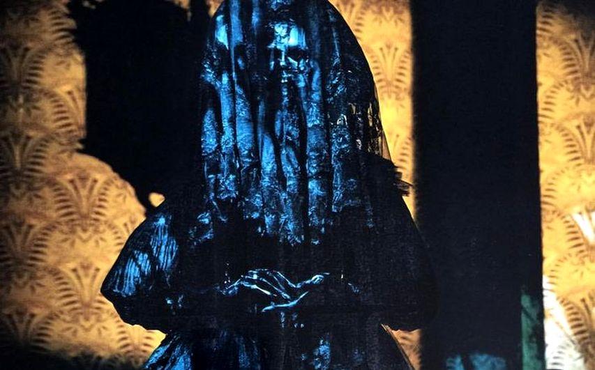Кадр из фильма «Багровый пик»