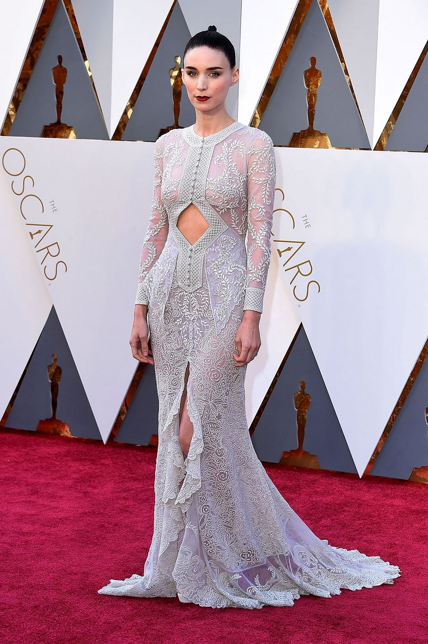 Актриса Руни Мара нацеремонии вручения премии «Оскар»-2016. Фото ссайта hollywoodreporter.com