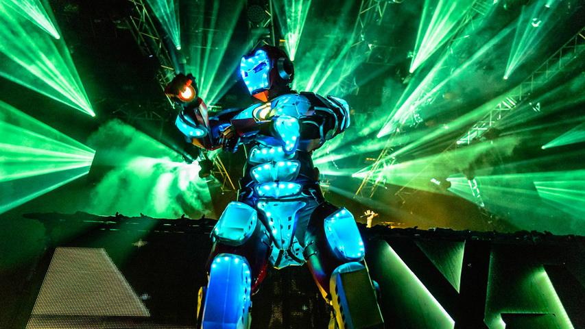 Световое шоу роботов. Фото с сайта шоуроботы.рф