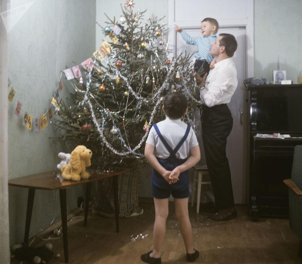 Фото с советской елкой с сайта m.sputnik.by