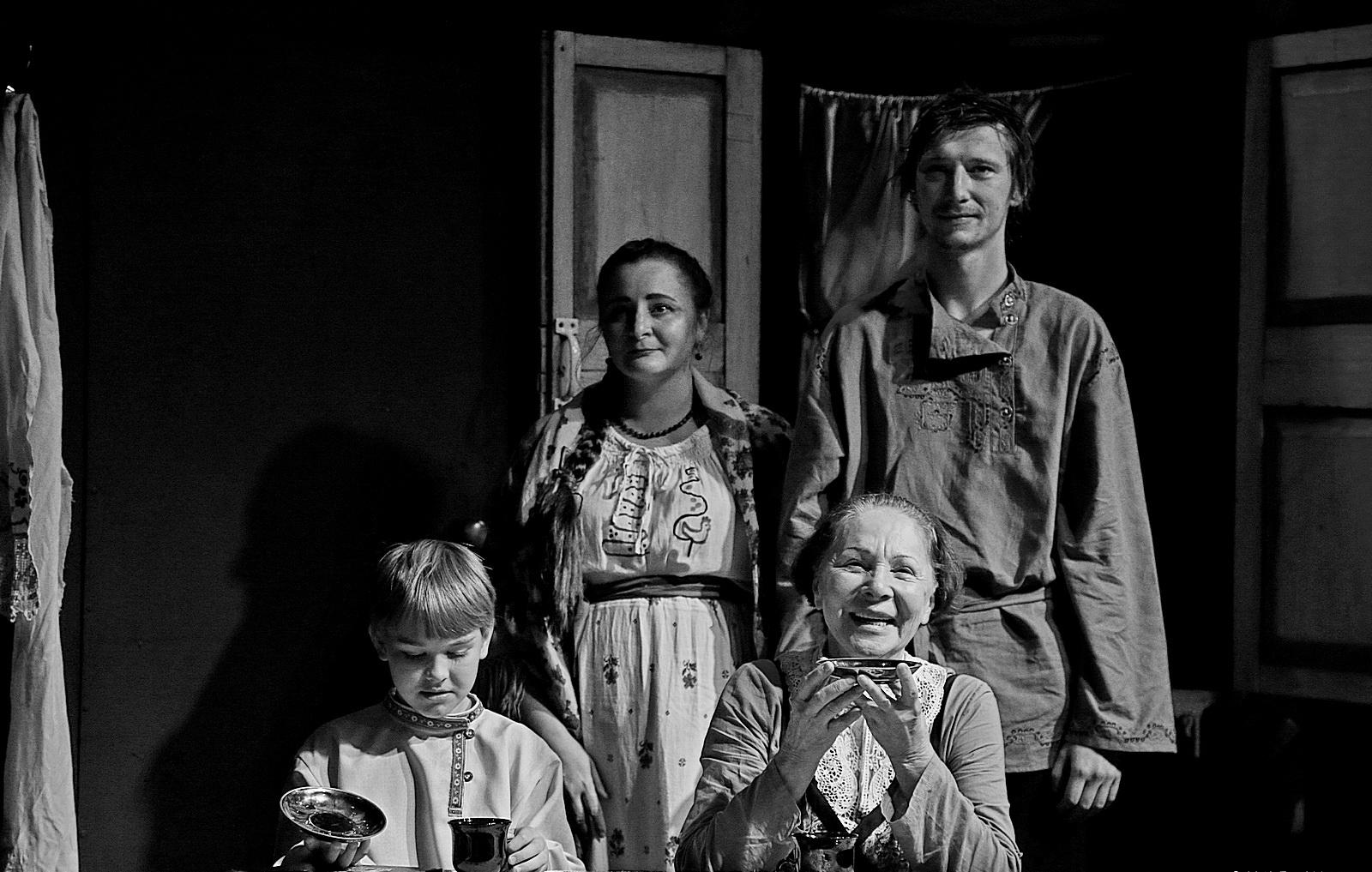 Фото со спектакля «Детство» в Коляда-Театре предоставлено организаторами