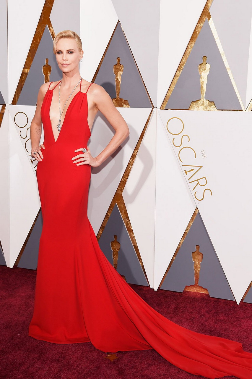 Актриса Шарлиз Терон нацеремонии вручения премии «Оскар»-2016. Фото ссайта hollywoodreporter.com