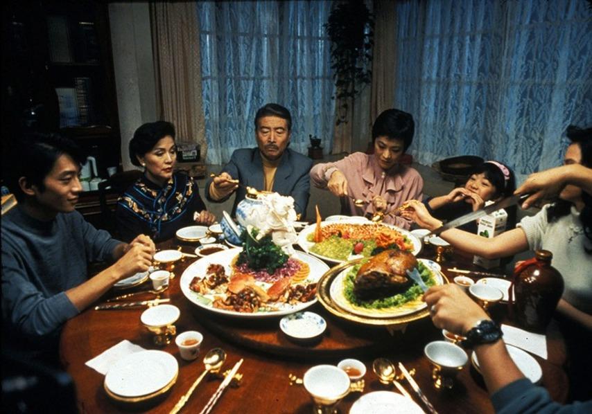 Кадр из фильма «Ешь, пей, мужчина, женщина»
