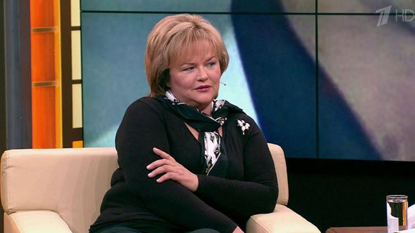 Александра Яковлева в студии программы «Пусть говорят». Фото с сайта 1tv.ru