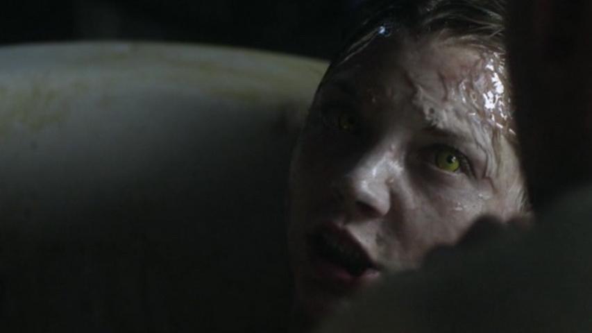 Кадр из сериала «Призраки»