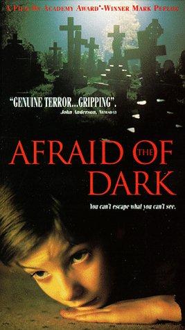 Боязнь темноты. Обложка с сайта kino-govno.com