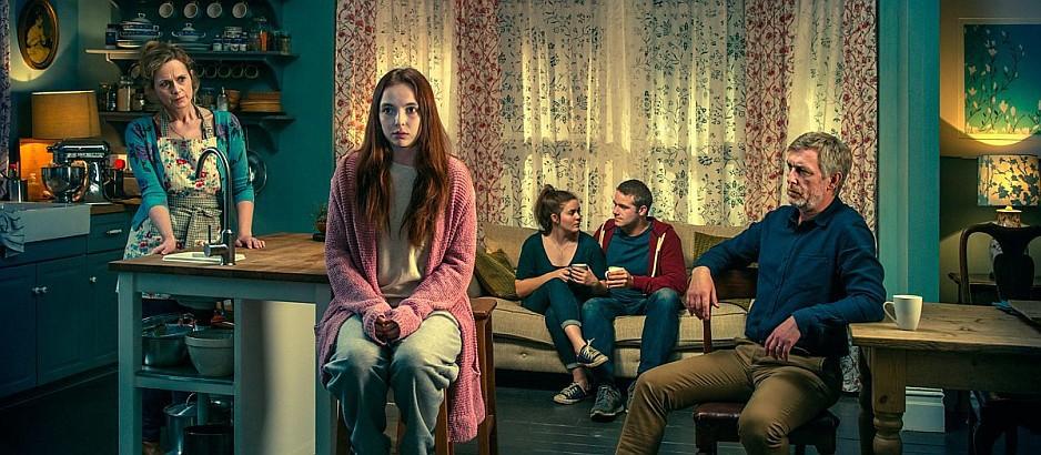 Тринадцать. Обложка с сайта kino-govno.com