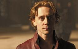 Том Хиддлстон. Фото с сайта fanparty.ru