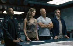 Кадр из фильма «Форсаж 6»