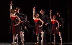 Сцена из спектакля «Пять танго». Предоставлено Екатеринбургским театром оперы и балета