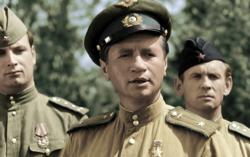 Кадр из цветной версии фильма «В бой идут одни старики»