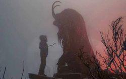 Кадр из фильма «Крампус»