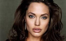 Актриса Анджелина Джоли. Фото с сайта mega-stars.ru