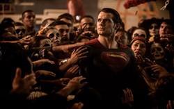 Кадр из фильма ««Бэтмен против Супермена»