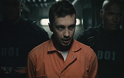 Фрагмент видео «Heathens» группы Twenty One Pilots.