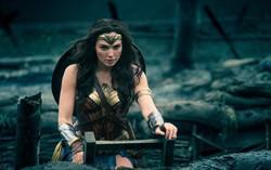 Кадр из фильма Чудо-женщина