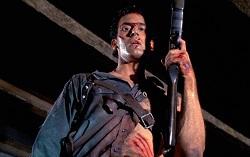 Кадр из фильма «Зловещие мертвецы 2»