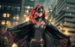 Кадр из сериала «Бэтвумен»