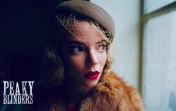 Кадр из сериала «Острые козырьки»