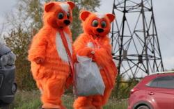 «Галамартовские» коты помогли очистить Екатеринбург отмусора
