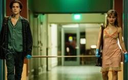 Кадр из фильма «В метре друг от друга»