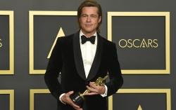 Питт и его Оскар. Фото с сайта ridus.ru