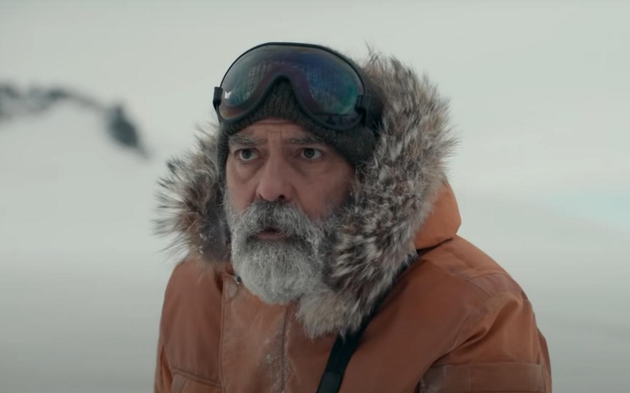Трейлеры, которые нельзя пропустить: триллер прокоронавирус, байопик Дэвида Боуи иотмороженный Клуни