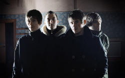 Arctic Monkeys. Фото с сайта www.hubu.ru