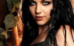Evanescence. Фото с сайта mydivadoll.com