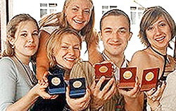 Медалисты. Фото с сайта newizv.ru